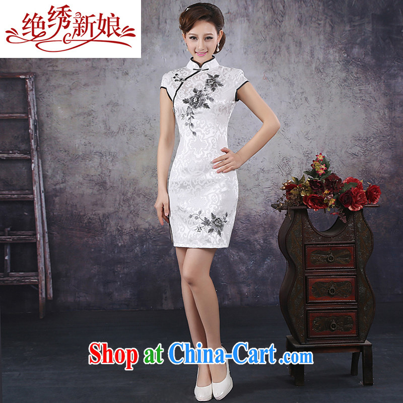 There is embroidery bridal 2015 spring and summer new cheongsam stylish improved embroidery flowers cheongsam white embroidered cheongsam dress white L Suzhou shipping