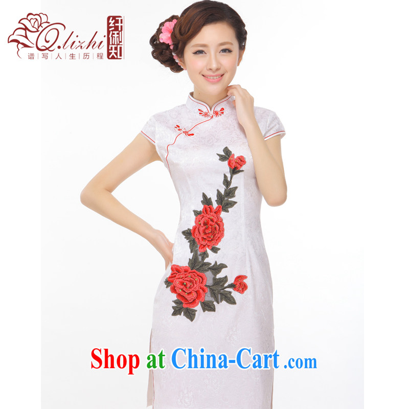 Slim li know took summer 2015 new retro improved Chinese Embroidery name Yuan Hong Kong Small wind power's cheongsam Q 43,170 Pearl White M