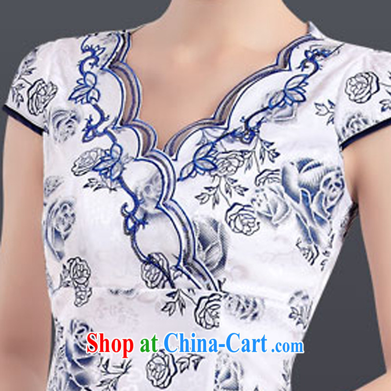 And, according to Cheong Wa Dae take Mrs girl cheongsam dress improved stylish embroidered daily sexy cheongsam Chinese Antique female LYE 7012 Blue on white flower XXL, in accordance with (leyier), shopping on the Internet