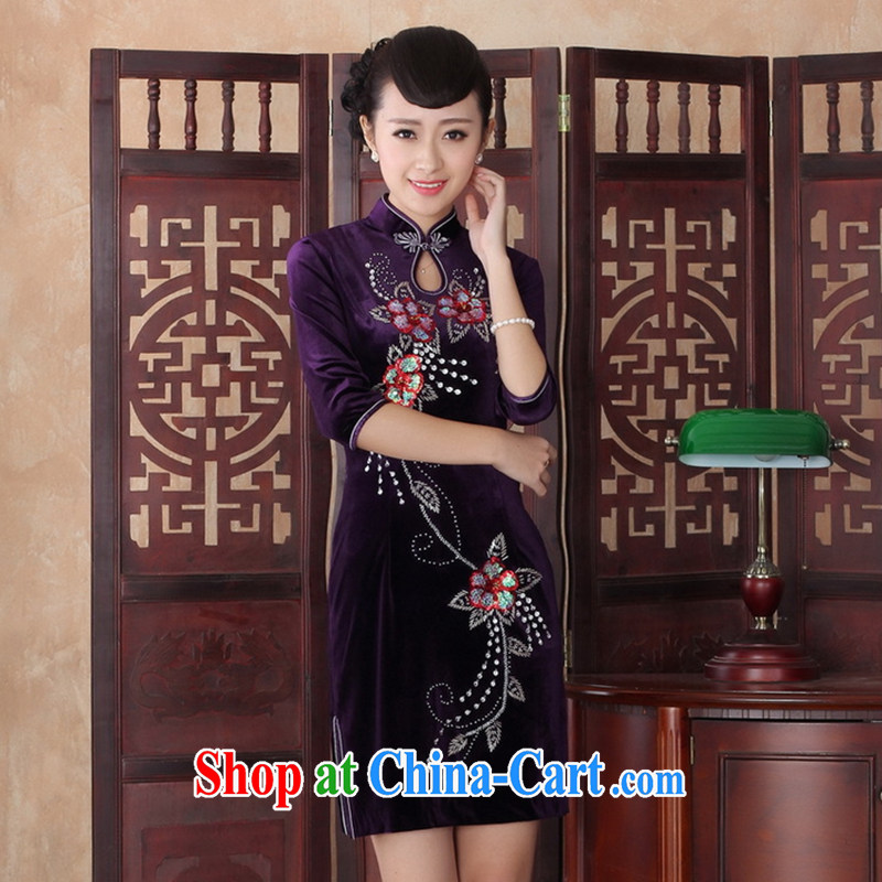 Take the robes fall with high-end custom manually staple mother Pearl cheongsam dress, collar retro gold velour cheongsam short noble purple 2 XL