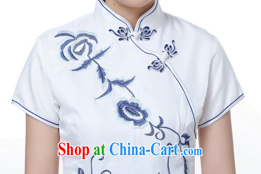 Summer 2014 new day-long antique wedding dresses long embroidery high on the truck ceremonial cheongsam dress white blue flower XXL