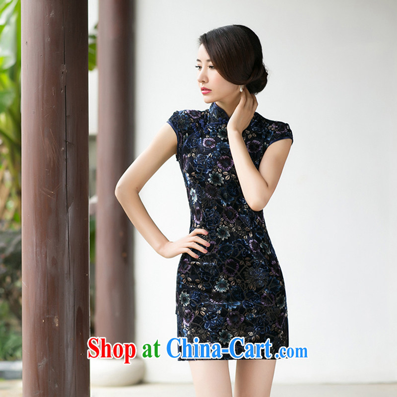 A Chinese Spring 2015 New boutique girls velvet dresses beauty skirt stylish improved retro short-sleeved qipao S