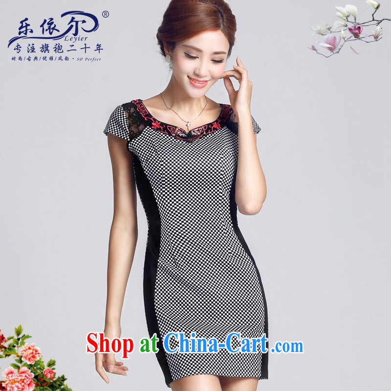And, in accordance with 2015 spring new short-sleeved girl cheongsam improved embroidery flowers Daily Beauty, short cheongsam dress female grid color XXL