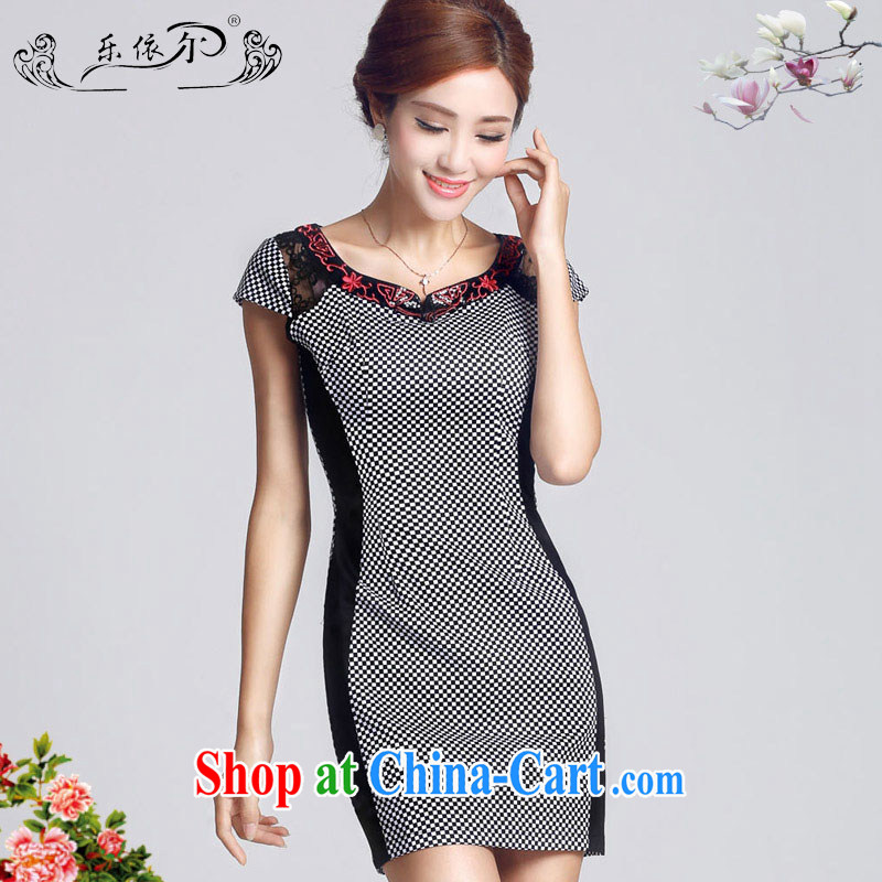 And in spring 2015 the new short-sleeved girl cheongsam improved embroidery flowers daily cultivating short cheongsam dress female LYE 66,607 grid color XXL
