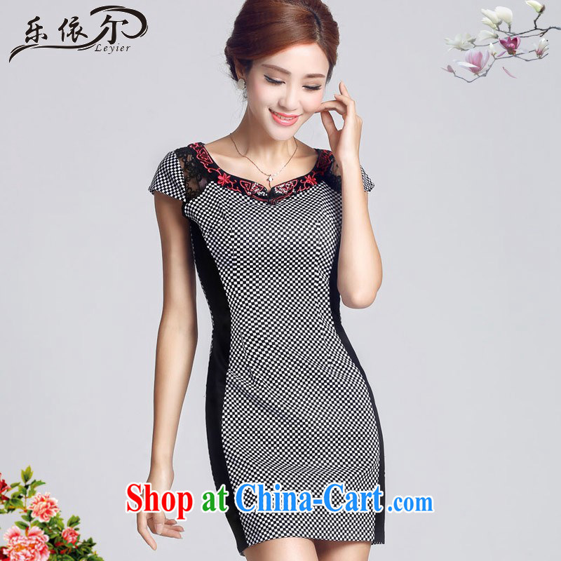 And, in accordance with short-sleeved girl cheongsam improved embroidery flowers daily cultivating short cheongsam dress female LYE 66,607 grid color XXL