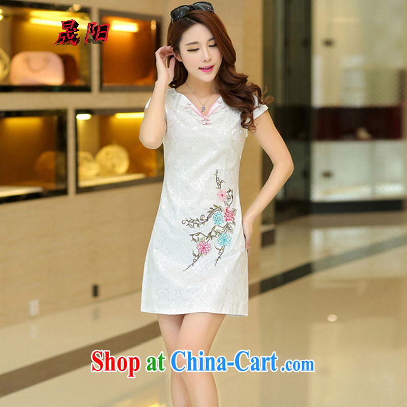 Sung Yang 2015 summer new Korean Beauty V collar beautiful embroidered stylish retro ladies short sleeve cheongsam dress white XL