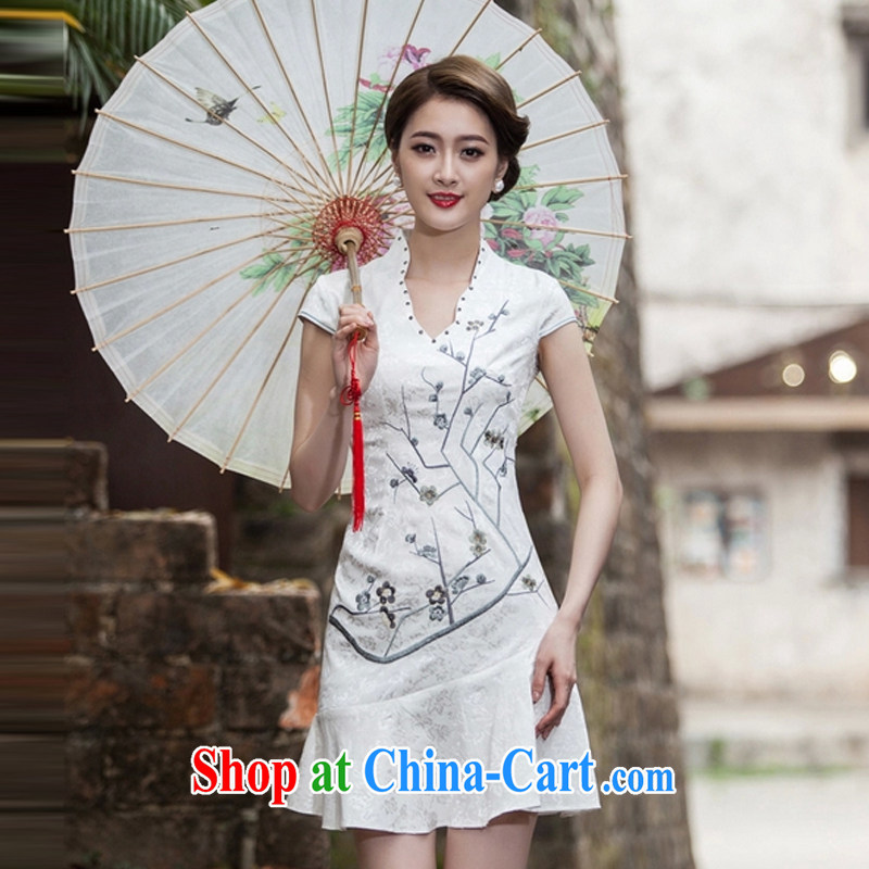 The Siang 2015 spring and summer new short-sleeved V collar embroidered Phillips nails Pearl crowsfoot skirt with embroidery short cheongsam white XL