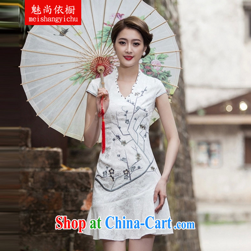 Clearly there is in accordance with Cabinet 2015 spring and summer new short-sleeved V collar embroidered Phillips nails Pearl crowsfoot skirt with embroidery short cheongsam white L