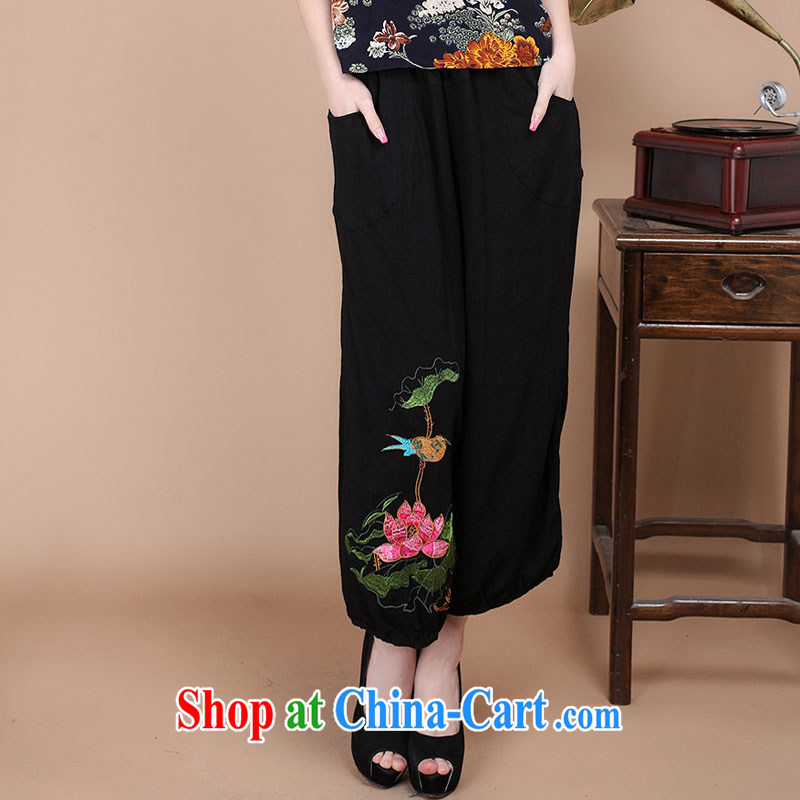 The Timorese Anne summer 2015 new Chinese Ethnic Wind mother load leisure beauty retro short pants embroidered rug pants female black M
