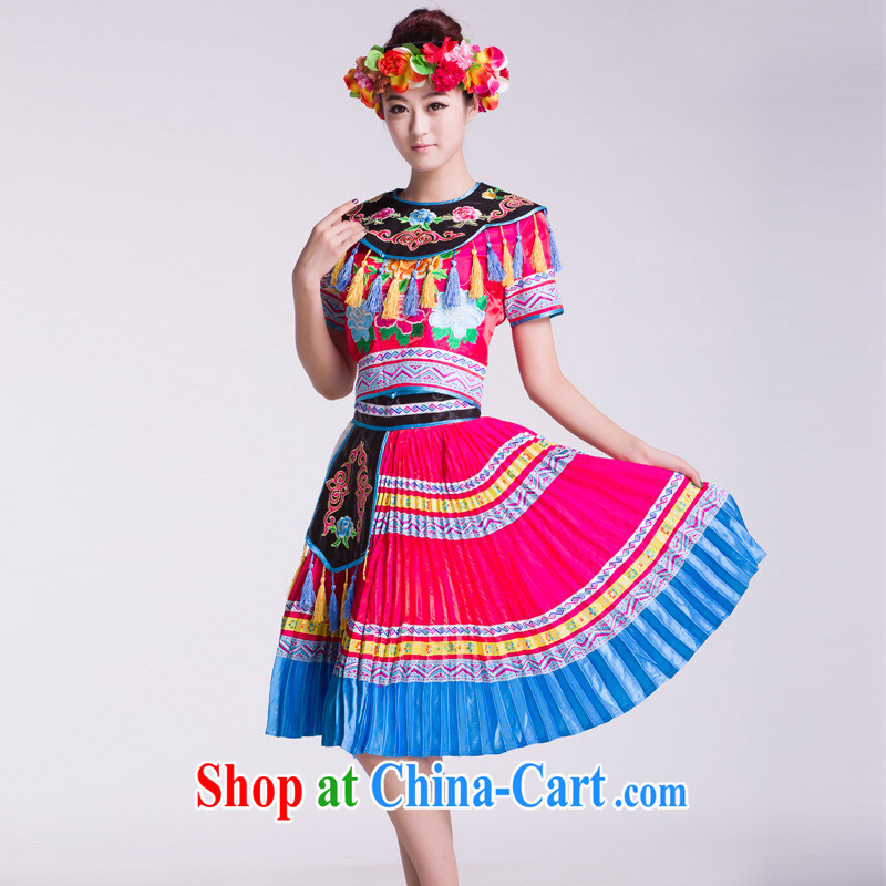 The family dance costumes female new paragraph-level ethnic performances serving with head-dress as L