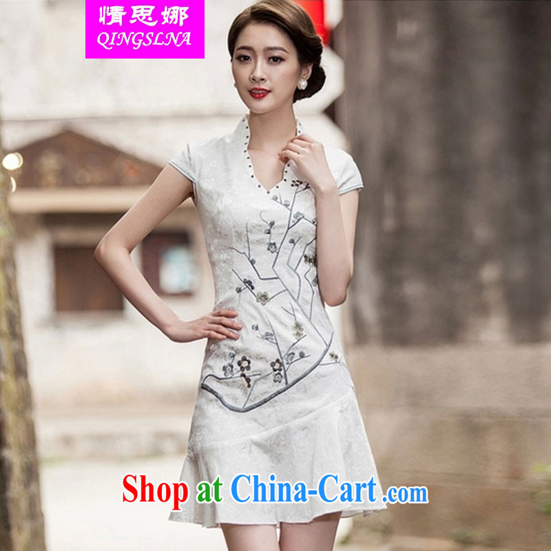The love of summer 2015 new V collar embroidered Phillips nails Pearl crowsfoot skirt with embroidery cheongsam white XL