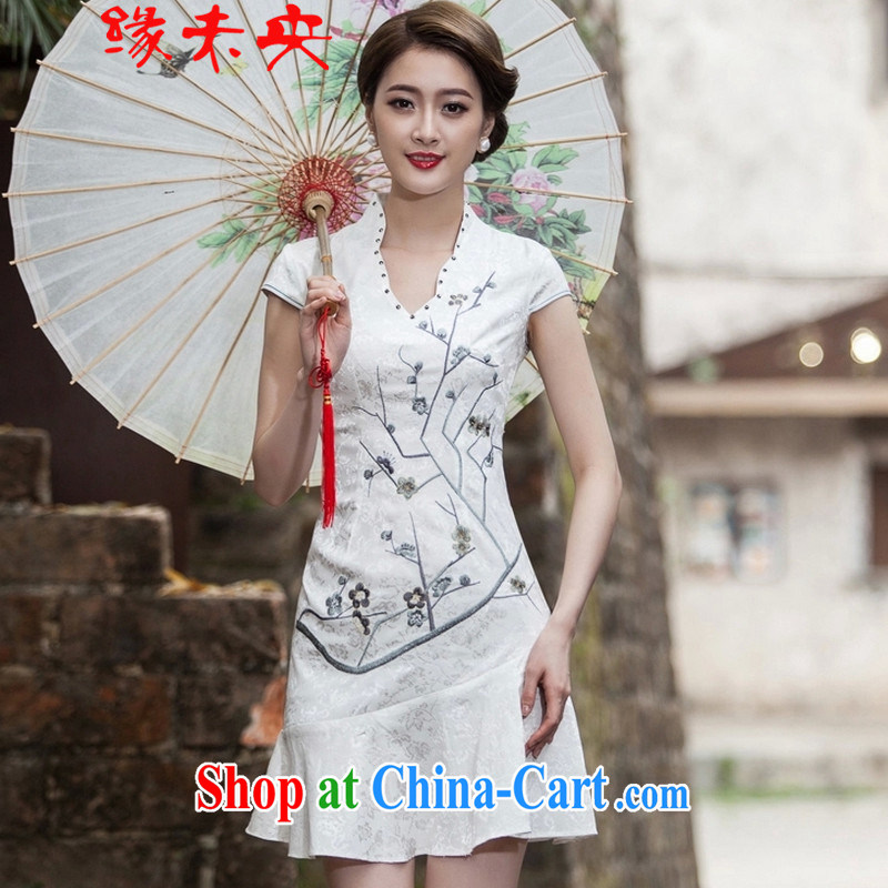 The flies love summer 2015 new short-sleeved V collar embroidered Phillips nails Pearl crowsfoot skirt with embroidery short cheongsam C C 518 1123 white XL